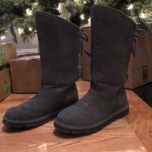 Charcoal gray size 9 Bearpaw Phylly boots